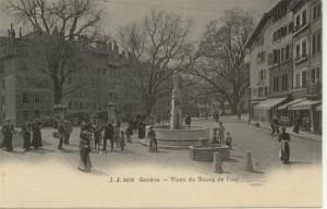 La place du Bourg-du-Four, à Genève, adresse du siège de la Société Évangélique. Carte postale ancienne.