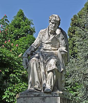 La statue d'Alexandre Vinet, par Maurice Reymond (1900), parc de Montbenon à Lausanne