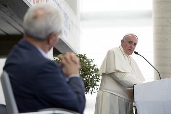 Caserte, 28 juillet 2014 : le pape François et le pasteur Lombardi