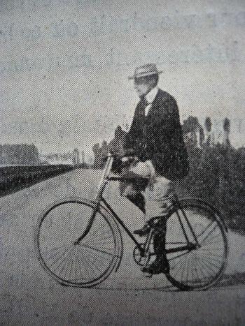pasteur sur vélo blog de Jean-Yves Carluer